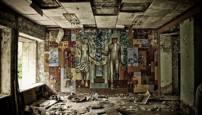Egy világbirodalom bukása – alulnézetből (Szvetlana Alekszijevics: Elhordott múltjaink)